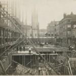 Nieuwe Maison De Bonneterie in aanbouw, ca.1912. (Collectie Haags Gemeentearchief)