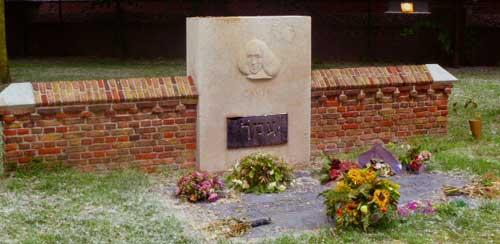 Spinoza-grafmonument
