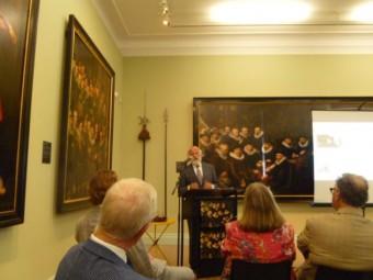 Rabbijn Soetendorp was een van de sprekers tijdens de bijeenkomst in het Haags Historisch Museum
