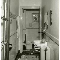2 februari 1941 Nazi-sympathisanten vernielen interieur NIG-secretariaat aan de Nieuwe Molstraat - collectie Haags Gemeentearchief