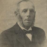 Boekhandelaar Jozef Blok – collectie Haags Gemeentearchief, foto op 14 okt. 1905 gepubliceerd in het bijblad van het Haagsche Nieuwsblad