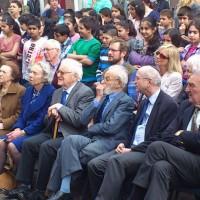 Op 2 april 2014 waren voormalige leerlingen van het Joodsch Lyceum Fisherstraat aanwezig bij de onthulling van de plaquette ter herdenking van de 179 omgebrachte leerlingen. Op de achtergrond de huidige leerlingen van de Paul Krugerschool en OBS De Springbok.