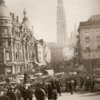 In oktober 1914 slaan de Antwerpenaren massaal op de vlucht naar Nederland - M. Amara, Des Belges à l'épreuve de l'Exil. Les réfugiés de la Premiêre Guerre mondiale. France, Grande-Bretagne, Pays-Bas (Brussel 2007) p. 52