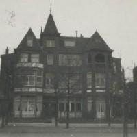 In 1923 woonde Ida Simons op de Nieuwe Parklaan 149. Op de foto het meeste rechtse pand - collectie Haags Gemeentearchief