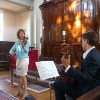 Violiste Agnes Houtsmuller en haar zoon Noam Jonathan Kanter speelden Nigun van de componist Ernest Bloch