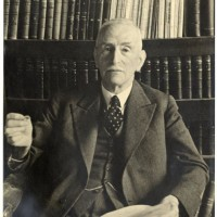 Mr.dr. L.E. Visser omstreeks 1940 - collectie Haags Gemeentearchief