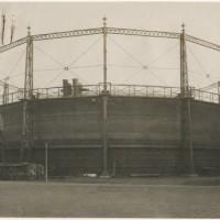 Gashouder aan de Gaslaan in Den Haag gebouwd door de firma Enthoven in 1876 - collectie Haags Gemeentearchief