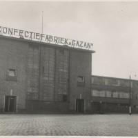 Confectiefabriek Gazan aan de Waldorpstraat 488 in 1939-fotograaf H.A.W. Douwes